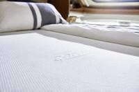 Weiße Spannbettlaken Mitteil Kleiderschrank + SA Doppelbett